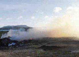 Afval wordt verbrand en dat zorgt voor rookoverlast