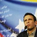 Henrique Capriles Radonsky tijdens een persconferentie gisteren tijdens de officiële bekendmaking van zijn kandidatuur.
