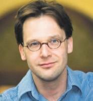 SP Tweede Kamerlid van Koninkrijksrelaties Ronald van Raak voorschot op behandeling begroting Koninkrijksrelaties