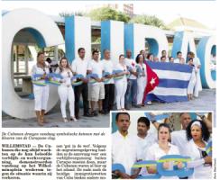 De Cubanen droegen vandaag symbolische ketenen met de kleuren van de Curaçaose vlag. Foto |  Amigoe/Edsel Sambo