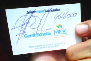 Mi Sostenkaartje uit oktober 2012 met handtekening van Gerrit Schotte