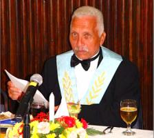 Dhr. Hendrik Schotte (de vader ex-MinPres Gerrit Schotte) is voorzitter van Loge Ignis Fraternitatis.