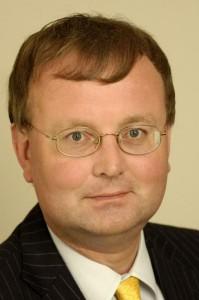 Mr. Karel Fielink: Ons kiesstelsel is zo slecht nog niet; niet elke hervorming is een verbetering