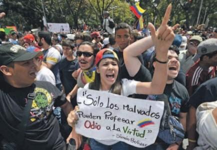 De protesten zijn gestart door studenten in het westen van Venezuela, onder meer vanwege de toenemende onveiligheid, de inflatie en de schaarste.