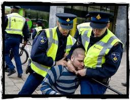 Politieagent vast voor mishandeling