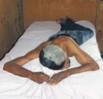 Zwervers en verslaafden hebben af en toe een fatsoenlijk bed nodig.  FOTO AGNES VAN BERGEN
