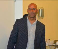 Journalist Yves  Cooper opnieuw niet welkom bij persconferentie