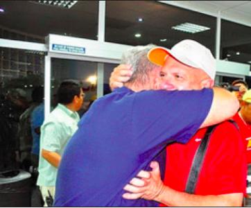 Op de Venezolaanse televisie werd de terugkomst van Carvajal live uitgezonden. Volgens de nationale zender een 'triomf voor de Venezolaanse diplomatie'.
