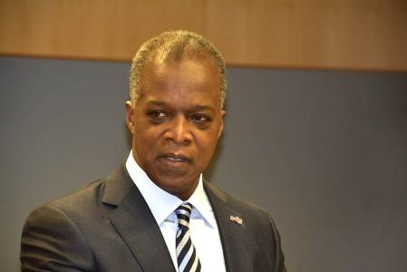 President van de Centrale Bank, Emsley Tromp - Foto |  Dick Drayer