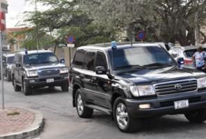 In gepantserde SUV's werden de verdachten gisteren naar het Stadhuis gereden. FOTO JEU OLIMPIO