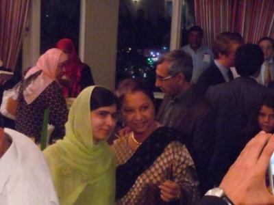 Lucita Moenir Alam als de ambassadeur van het Koninkrijk te Port of Spain, Trinidad & Tobago