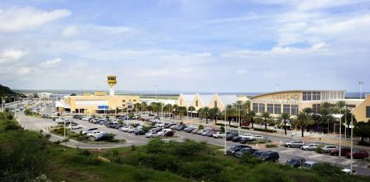 Het vliegveld van Willemstad op Curaçao - ©ANP