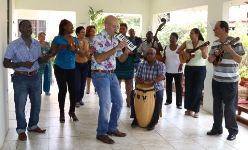 Felis Enkuentro van Corsen en Serenada