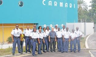 Twintig politieagenten van Politur brachten onlangs een bezoek aan Carmabi. | FOTO CARMABI
