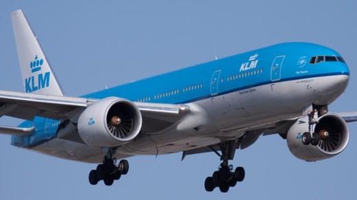 Een Boeing 777 van de KLM, het type waarmee op Rio wordt gevlogen | Patrick Cardinal / Wikimedia Commons.