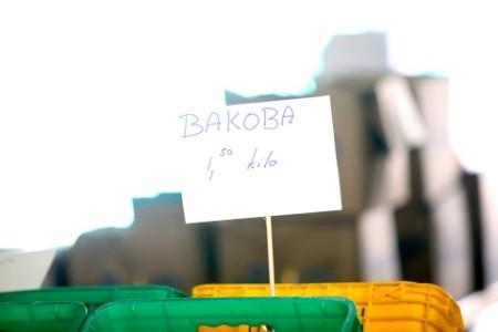 De bananen gaan hard bij de verkooppunten van Real Deal in Saliña en Palu Blanku. FOTO'S MFK