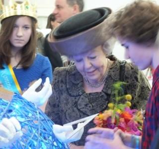prinses Beatrix bij Kinderrechtentop in Leiden | foto: Jamila Baaziz