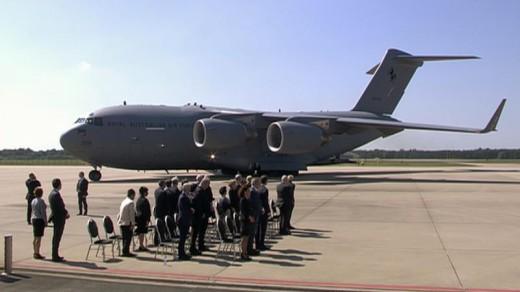 Ceremonie in juli op vliegbasis Eindhoven | NOS .