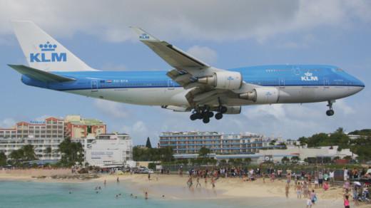 KLM stuurt vliegtuig voor gestrande passagiers