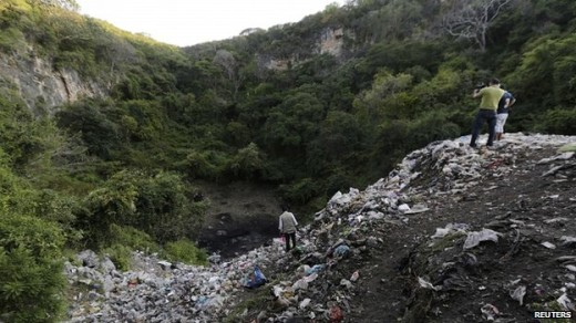 The students are said to have been taken to this rubbish tip outside Cocula   Foto Reuters