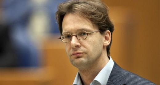 Van Raak eist debat over VDC