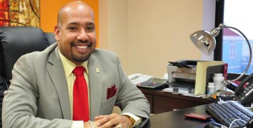 MoU  tussen Financiënminister George Jamaloodin (MFK) en de Curaçao Casino Association,
