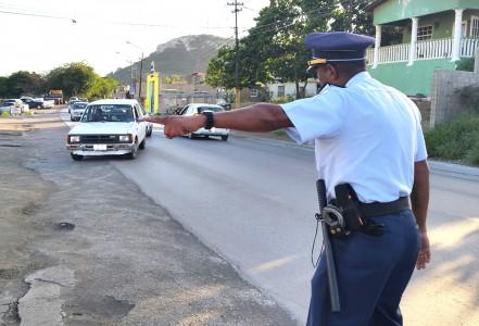 25 boetes bij verkeerscontrole | Foto Strealuz