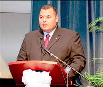 Asjes tijdens zijn voordracht op het LGO-forum    FOTO AMARCELLY MARTIS