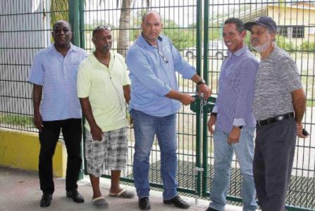 Het Stadion Odulio Willems wordt alweer heropend, er is een oplossing gevonden met de regering. | Foto Edsel Sambo