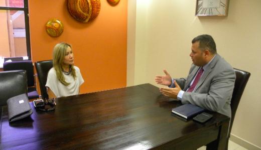 Consul Marisol Gutierrez de Almeida respecteert neutraliteit Curaçao niet na gesprek met Asjes