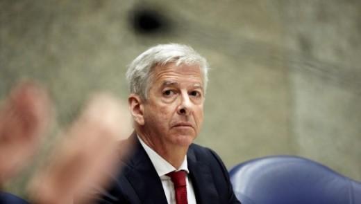 Minister Plasterk stemt alsnog in met Landsverordening integriteitstoezicht. | foto ANP