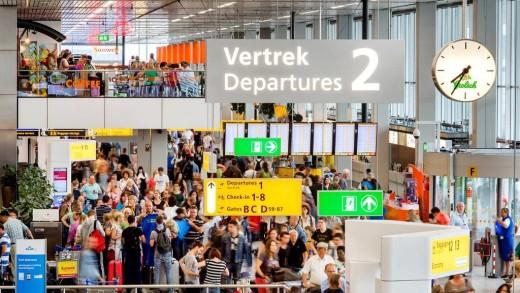 Schiphol gaat anders controleren   Foto ANP