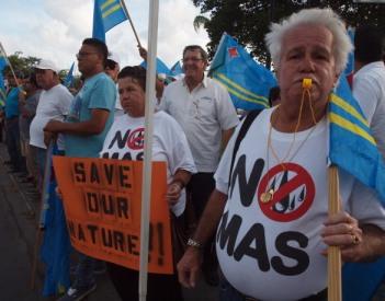 Protestactie vorig jaar tegen de komst van het windmolenpark.   Foto: Ariën Rasmijn