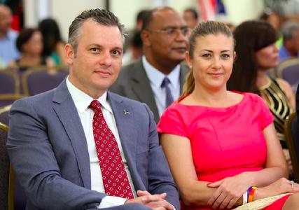 MFK fractievoorzitter, Babel en Maximus verdachte Gerrit Schotte, hier met zijn andere fiinancieerster, de mede Babel evrdachte Cicely van der Dijs | Foto Persbureau Curacao