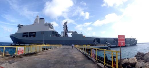 Vooralsnog wacht de marine op een teken van de politiek om te helpen bij het tegengaan van illegale immigranten uit Venezuela | foto: Anneke Polak