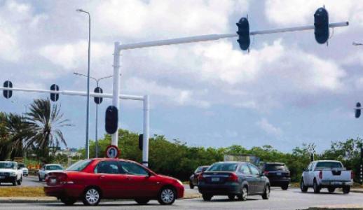 verkeerslichten Fokkerweg/ Dominico F. 'Don' Martina Boulevard | Ken Wong