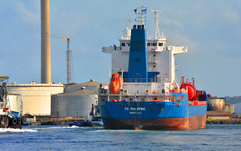 Oil tankers piling up at impaired PdV terminals |  Foto Persbureau Curacao
