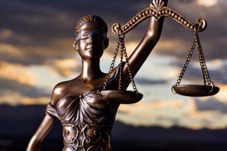 Verdachten moord op ondernemer langer vast
