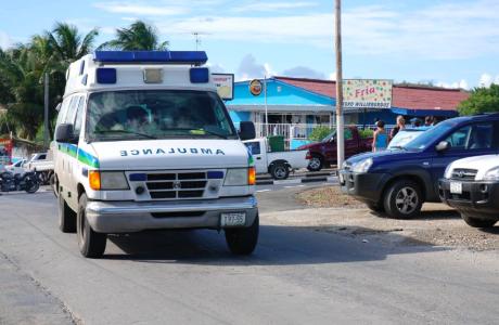 Vrouw overleden na verkeersongeval op Bandabou