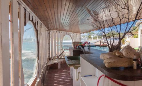 Hotels op Curaçao maken zich zorgen over de toenemende concurrentie van particuliere verhuurders op het eiland.
