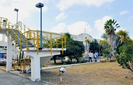 Het hoofdgebouw van Aqualectra in Mundo Nobo hoort bij de architectuurstroming Moderne Beweging