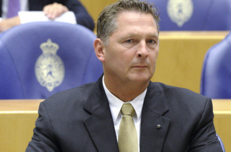 De Tweede Kamer wil geen kansarme Antillianen weren