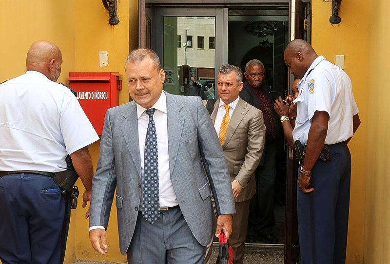 Ribeiro: McWilliam tampoko no ta respetá deseo di Parlamento   Extra