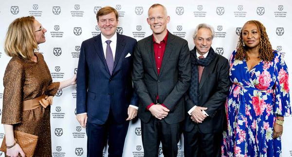 Willem-Alexander bij première Double Play op IFFR