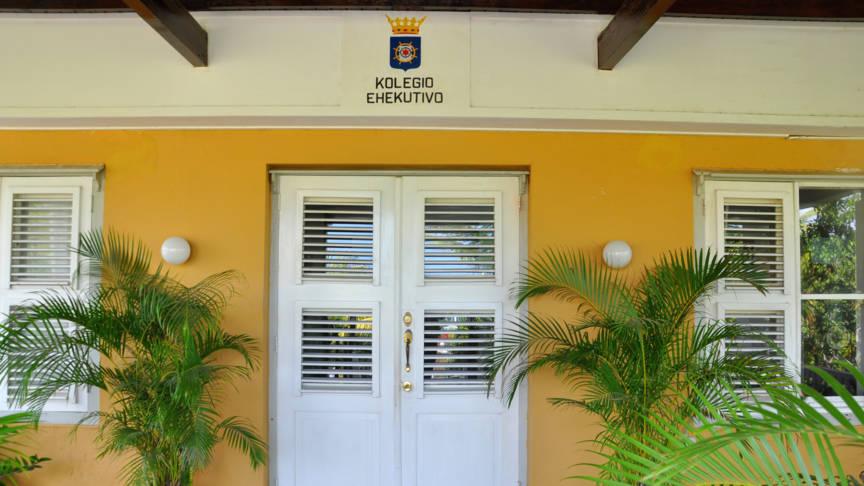 Het gebouw van het bestuurscollege op Bonaire Stephan Kogelman