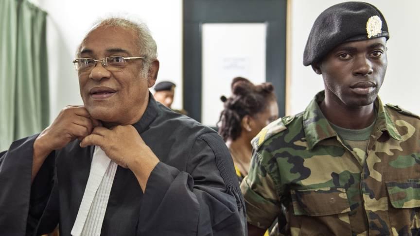 Hugo Essed (L), advocaat van de nabestaanden ANP