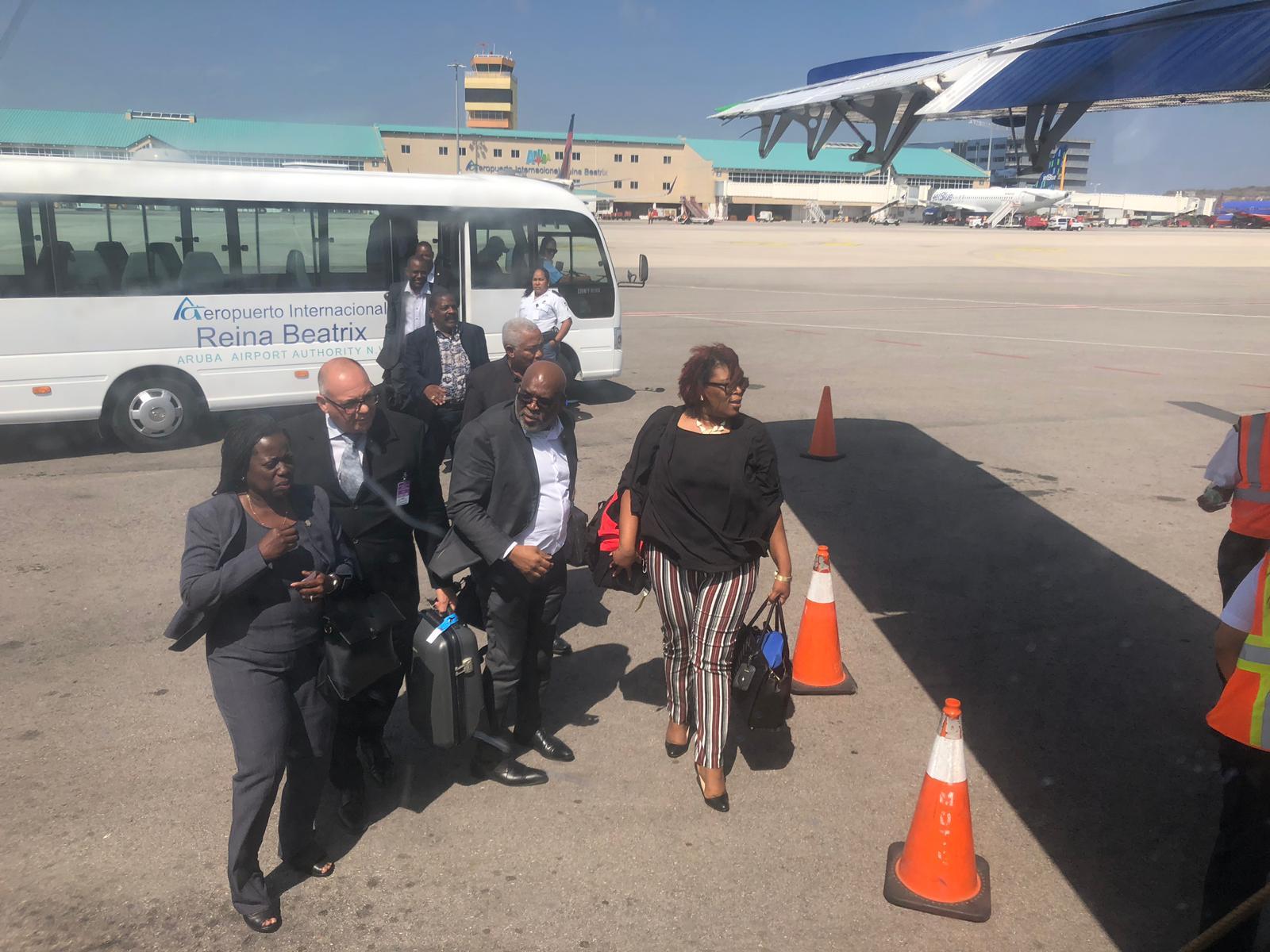 CuracaoNieuws   Insel Air tot maandag de tijd voor schuldenakkoord