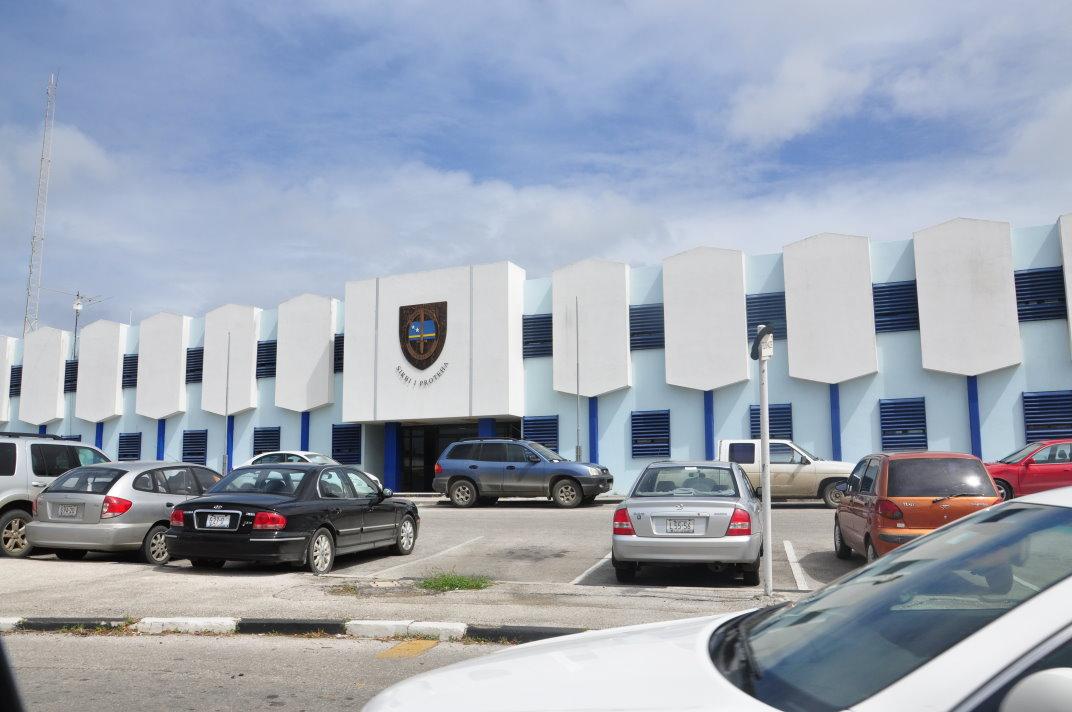 CuracaoNieuws | Onduidelijkheid over strafrechtelijk onderzoek naar drugsroof politiebureau