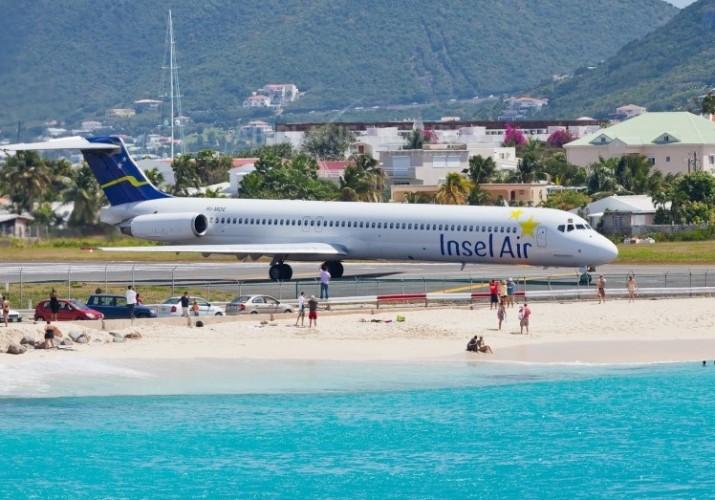 AD   Spoor van schulden Insel Air