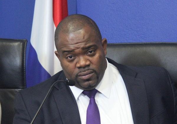 DH | Emmanuel: Knops blackmailing St. Maarten, has 'no integrity'